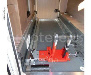 Portamoto Pollicino automatico para motos hasta 160 kilos en garaje autocaravana