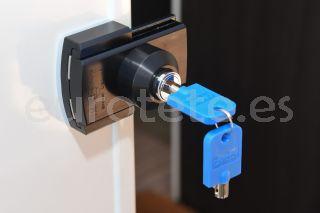 IMC puerta principal cierre celula seguridad negro 1