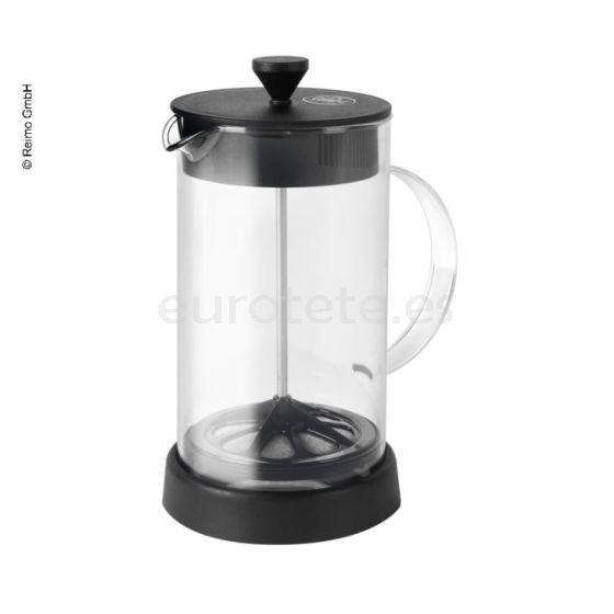 Cafetera de embolo, infusiones de te y menaje de caravaning